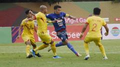 Indosport - Pelatih Bhayangkara FC, Paul Munster melakukan gebrakan baru saat timnya menang 1-0 atas Arema FC di pekan ke-29 Liga 1 2019.