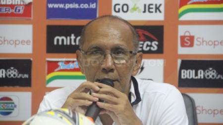 Bambang Nurdiansyah saat konferensi pers usai laga lanjutan Liga 1 2019 antara PSIS Semarang vs PSM Makassar - INDOSPORT