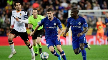 Valencia vs Chelsea harus puas berbagi satu poin di lanjutan grup H Liga Champions 2019/20 dalam hasil pertandingan imbang 2-2, Kamis (28/11/19). - INDOSPORT