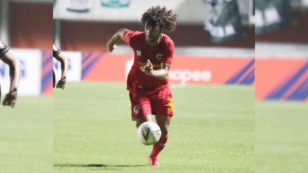 Setelah meninggalkan Kalteng Putra pada Liga 1 2019 lalu, Hendipo Conceicao tampil menggila bersama Binh Duong FC di Liga Vietnam. - INDOSPORT