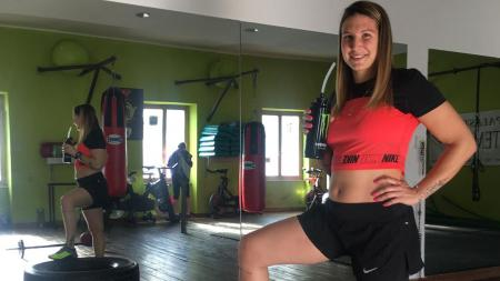 Crosser cantik sekaligus mantan kekasih Maverick Vinales, Kiara Fontanesi siap melakukan comeback di kejuaraan motorcross pasca melahirkan. - INDOSPORT