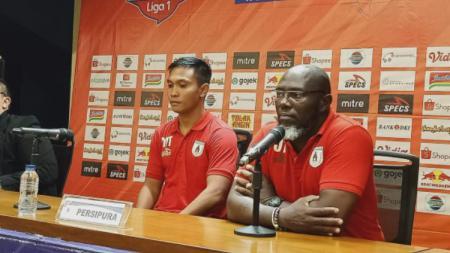 Jacksen F Tiago dalam konferensi pers usai pertandingan pekan ke-29 Liga 1 2019 antara Persija Jakarta vs Persipura Jayapura, Kamis (28/11/19) malam WIB. - INDOSPORT