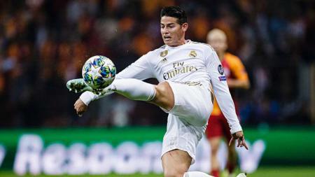 James Rodriguez dikabarkan menggelar pembicaraan dengan Manchester United melalui sang agen, Jorge Mendes untuk potensial gabung di bursa transfer musim panas mendatang. - INDOSPORT