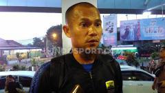 Indosport - Kapten Persib, Supardi Nasir di Bandara Husein Sastranegara, Kota Bandung, Jumat (29/11/19).