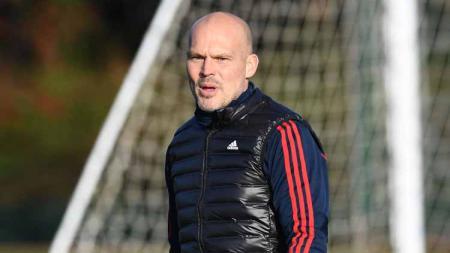Klub Liga Inggris, Arsenal, kabarnya tengah mengincar pelatih Liga China untuk menggantikan caretaker mereka saat ini, Freddie Ljungberg. - INDOSPORT