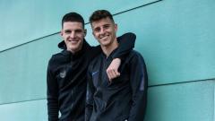 Indosport - Wonderkid West Ham United, Declan Rice, mengaku tertarik bergabung Chelsea demi bermain bersama Mason Mount kembali di level klub.
