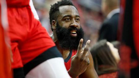 Pemain megabintang Houston Rockets, James Harden mencetak 60 points saat melawan Atlanta Hawks - INDOSPORT