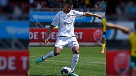Calon bek naturaliasi Timnas Indonesia, Darren Sidoel diberikan kepercayaan tampil sejak awal pertandingan di pekan ke-22 Liga Bulgaria. - INDOSPORT