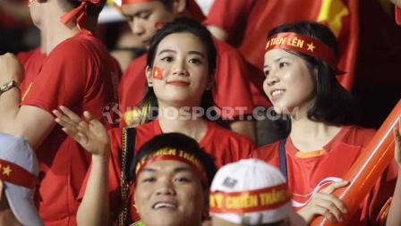 Para bidadari yang membantu Timnas Vietnam U-23 kalahkan Indonesia di Rizal Memorial Stadium, Manila, Minggu (01/12/19).