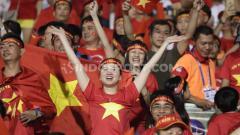 Indosport - Laga final Timnas Indonesia vs Vietnam di sEA Games 2019 ternyata sangat diminati oleh masyarakat Vietnam bahkan memasang iklan saat jeda pertandingan bisa mencapai harga miliaran rupiah.