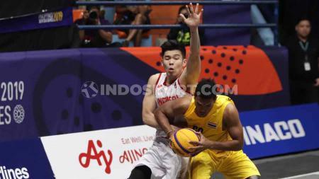 Aksi Timnas Basket 3x3 Indonesia melawan Thailand di Fil Oil Flying Center V, Metro Manila, Senin (02/12/19) kemarin. - INDOSPORT