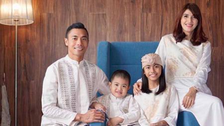 Mari menilik 5 momen hangatnya keluarga atlet Jauhari Johan, sang peraih medali emas ketiga untuk Indonesia di SEA Games 2019. - INDOSPORT