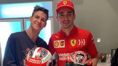 Indosport - Fabio Quartararo (MotoGP) dan Charles Leclerc (F1), tunjukkan keakraban di luar lintasan balap.