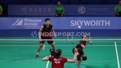 Indosport - Ni Ketut/Apriyani berhasil mengalahkan wakil dari Thailand Prajongjai/Supajirakul pada Final di Muntinlipa Sport Complex, Manila, Selasa (03/12/19).