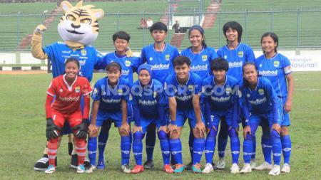 Starting eleven Persib Putri saat pertandingan leg pertama semifinal Liga 1 Putri 2019 menghadapi Arema FC Putri di Stadion Siliwangi, Kota Bandung, Minggu (01/12/2019). - INDOSPORT
