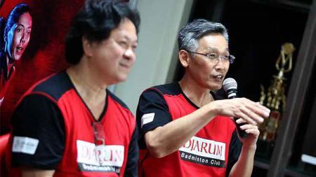 Fung Permadi (kanan) saat menjadi pembicara bersama PB Djarum. - INDOSPORT