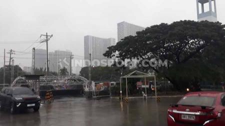 Kondisi Manila yang masih dirundung hujan menjelang pertandingan SEA Games 2019. - INDOSPORT