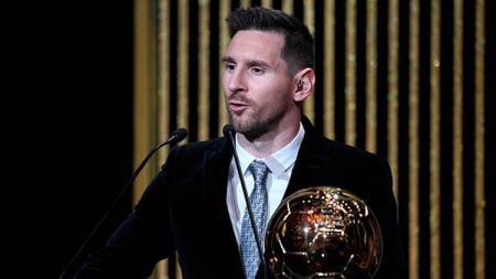 Ronaldinho menyatakan jika dia tidak bisa mengatakan jika eks rekan satu timnya di Barcelona, Lionel Messi adalah pemain terbaik sepanjang masa. - INDOSPORT
