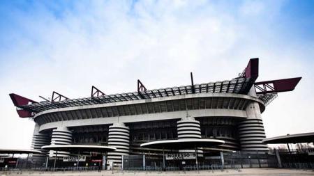Stadion San Siro, milik dua klub Serie A Italia, Inter dan AC Milan - INDOSPORT