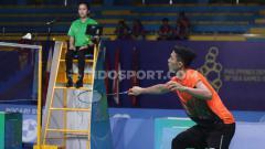 Indosport - Pebulutangkis tunggal putra Indonesia Jonatan Christie berhasil mengalahkan wakil dari Malaysia Lee Zii Jia pada Final di Muntinlipa Sport Complex, Manila, Rabu (04/12/19).