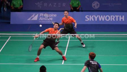 Pada match kedua, ganda Putra Indonesia Fajar Alfian/Muhammad Rian Ardianto gagal setelah dikalahkan Ganda Putra Malaysia Aaron Chia/Soh Wooi Yik, Rabu (04/12/19).