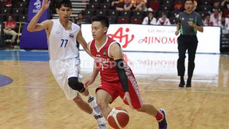 Timnas Basket Putra Indonesia takluk dari Thailand di Mall Of Asia, Manila, Rabu (04/12/19).