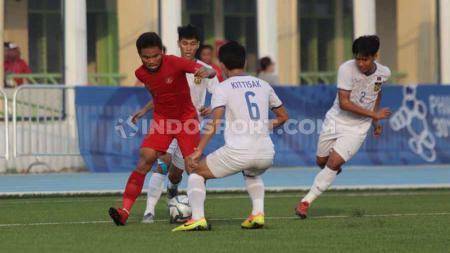Laga pertandingan antara Indonesia U-23 vs Laos U-23 SEA Games Filipina 2019, Kamis (05/12/19). - INDOSPORT