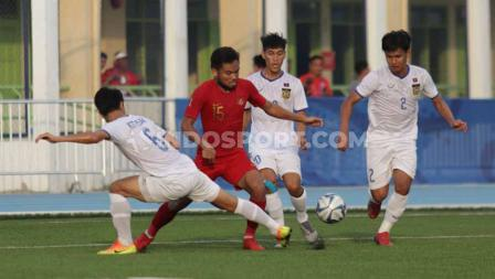 Laga pertandingan antara Indonesia U-23 vs Laos U-23 SEA Games Filipina 2019, Kamis (05/12/19).