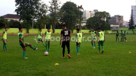 Skuat PSMS Medan menggelar latihan di Stadion Kebun Bunga, Medan, Kamis (5/12/19) sore. - INDOSPORT