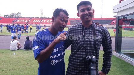 I Wayan Gangga Mudana (kiri) bersama reporter Indosport.com, Nofik Lukman Hakim - INDOSPORT
