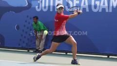 Indosport - Final tenis tunggal putra Aldila Sutjiadi versus Savanna Ly Nguyen di Rizal Memorial Sport Complex, Manila, Jumat (06/12/19)