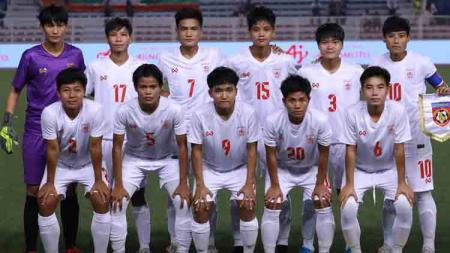 Timnas sepak bola Myanmar saat tampil di SEA Games 2019. - INDOSPORT