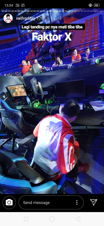 Komputer pemain HearthStone Indonesia, Hendry