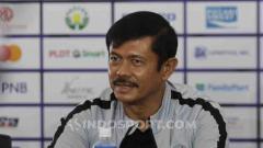 Indosport - Pelatih Timnas Indonesia U-23, Indra Sjafri, dalam jumpa pers jelang melawan Myanmar U-23 di Stadion Rizal Memorial, Jumat (06/12/19).