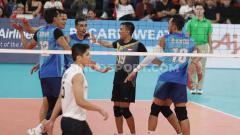 Indosport - Selebrasi pemain tim voli putra Indonesia saat mampu mencetak angka di laga melawan Filipina.