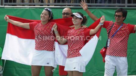 Ganda putri Indonesia, Beatrice Gumulya/Jessy Rompies meraih medali emas tenis SEA Games 2019. - INDOSPORT