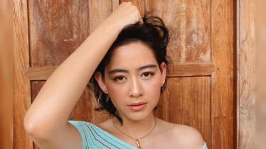 Laura Theux, aktris Indonesia yang membagikan aktivitasnya bermain biliar melalui instagram story @laura_teux - INDOSPORT