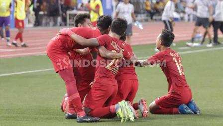 Selebrasi pemain Timnas Indonesia U-23 usai gawang Myamar kebobolan dalam semifinal SEA Games 2019.