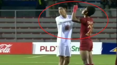 Pemain Timnas Indonesia U-23, Osvaldo Haay mendapat perlakuan kurang terpuji dari pemain Myanmar di SEA Games 2019. - INDOSPORT