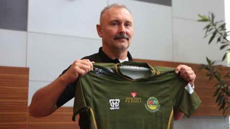 Klub Liga 1, Tira Persikabo, akhirnya meliburkan pasukannya dari latihan di masa Pemberlakuan Pembatasan Kegiatan Masyarakat (PPKM) Darurat. - INDOSPORT