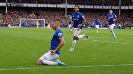 Bintang Everton, Richarlison, memiliki kisah inspiratif yang enggan mengikuti gaya hidup pesepak bola Brasil pada umumnya. - INDOSPORT