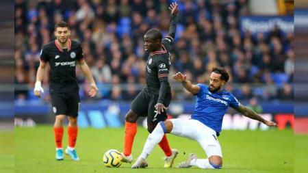 Chelsea tak kuasa membendung kemenangan tuan rumah Everton dalam pertandingan pekan ke-31 Liga Inggris yang berakhir dalam hasil pertandingan 3-1, Sabtu (07/12/19). - INDOSPORT