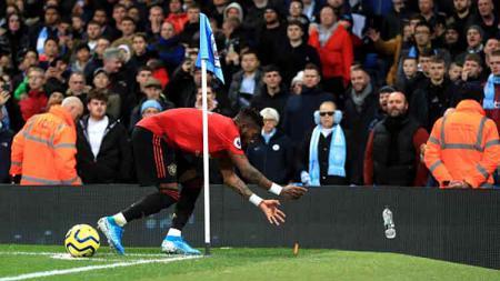 Gelandang bertahan Manchester United, Fred, buka suara mengenai rasisme yang menimpa dirinya saat timnya berkunjung ke markas Manchester City - INDOSPORT