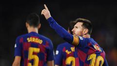 Indosport - Lionel Messi kembali menunjukkan daya magisnya ketika membawa Barcelona melumat Real Mallorca dalam LaLiga Spanyol dengan skor 5-2, Minggu (08/12/19).