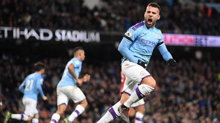 Bek Manchester City, Nicolas Otamendi sempat mempertipis kedudukan melalui golnya ke gawang Manchester United dalam pertandingan Liga Inggris 2019-2020 pekan ke-16 di Etihad Stadium - INDOSPORT