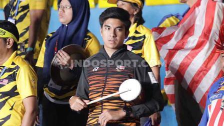 Menpor aMalaysia juga memegang berbagai atribut untuk mendukung langsung wakilnya di semifinal cabor bulutangkis SEA Games 2019.