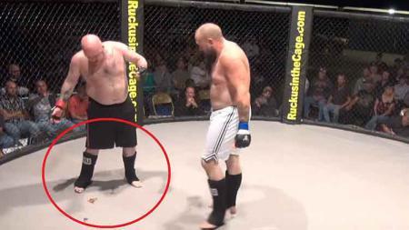 Kejadian menjijikan di pertarungan MMA antara Daniel Cooper vs Travis Woolford - INDOSPORT