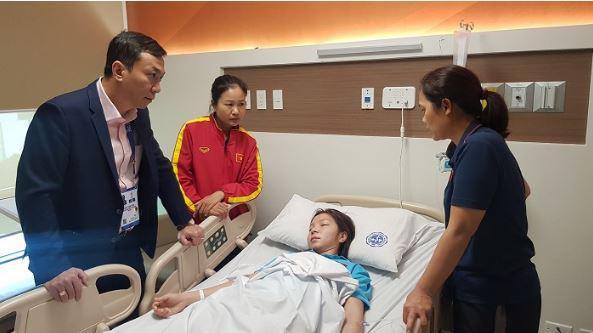 Pemain Timnas Sepak Bola Wanita Vietnam, Tran Thi Hong Nhung masuk rumah sakit di SEA Games 2019 Filipina. Copyright: VFF