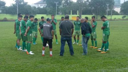 PSMS Medan kembali menggelar latihan rutin mereka di Stadion Kebun Bunga, Senin (9/12/2019) sore, latihan yang hanya bersifat menjaga kondisi. - INDOSPORT