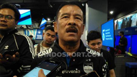 Komisaris PT Persib Bandung Bermartabat (PBB), Umuh Muchtar, yakin skuat Maung Bandung tetap berlatih meski kompetisi liga  tengah libur. - INDOSPORT